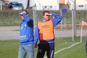 """Mikael Samuelsson, till höger, hoppas på A-slutspel i division 7 för Torp: """"Ingenting är omöjligt""""."""