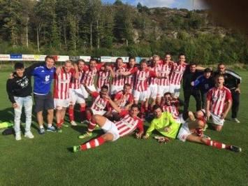 Årets match i STO-fotbollen är den mellan Morlanda och Rönnäng. Ett lag skulle gå vinnare ur striden och koras till seriesegrare.