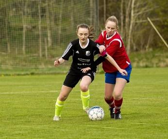 Idag provspelar Henåns Jennifer Davidsson i division 1-klubben IK Rössös träningsmatch mot Nittorp. (Bild:Privat).